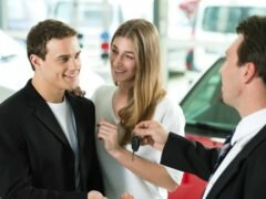 Как переоформить автомобиль на жену